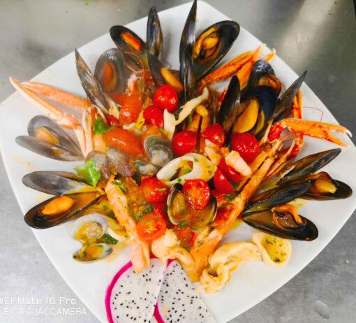 Scampi con frutti di mare al forno